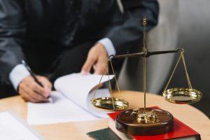L'avocat commis d'office : mode de désignation et honoraires