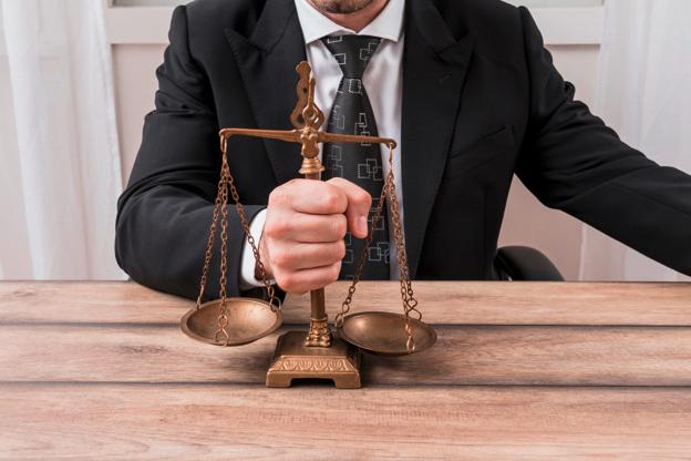 Pourquoi se faire accompagner par un avocat en droit social ?